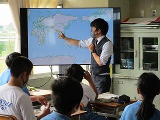 1年4組 社会 地理 世界地図を使って