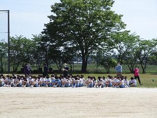 グランドコンディションの関係で、体育祭全体練習を午後にしました 3年生の応援席の様子
