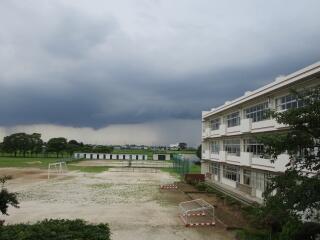 午後は雷雨でしたね