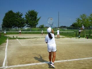 女子テニス部 校内戦を行っていました