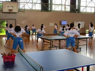 2年1、3組 保健体育 卓球選択 準備体操