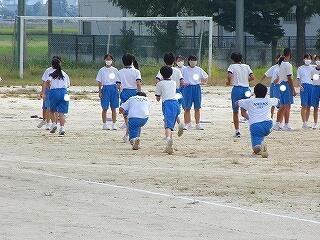 2年3組 保健体育 今日から陸上競技です