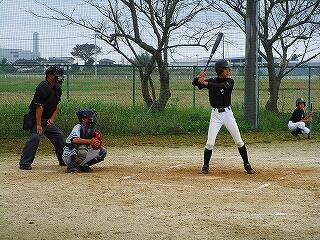 野球部が練習試合を行っていました