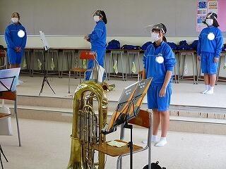 吹奏楽部の演奏の音がずっと聞こえていました