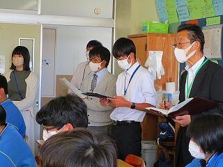 3年2組 道徳 春日部市教育委員会から先生をお招きして授業研究を行いました 「本当の思いやりとは…」