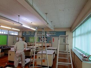 理科室、美術室、被服室のエアコン導入工事ありがとうございます。