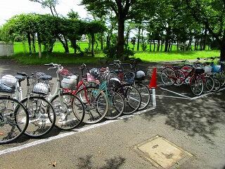 夏季限定自転車通学者のための自転車置き場
