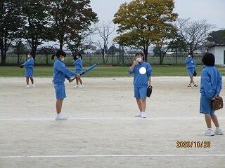 2年2組 保健体育 ソフトボール