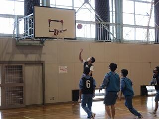 3年2、3組 保健体育 バスケットボール選択
