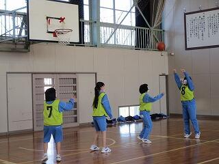 2年2組 保健体育 バスケットボール